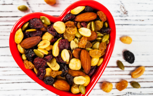 6 Healthy Snacks for Moms